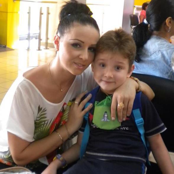 De cativa ani, fosta sotie a lui Tolea Ciumac, Magda, sta la Timisoara cu fiul lor, Sasa