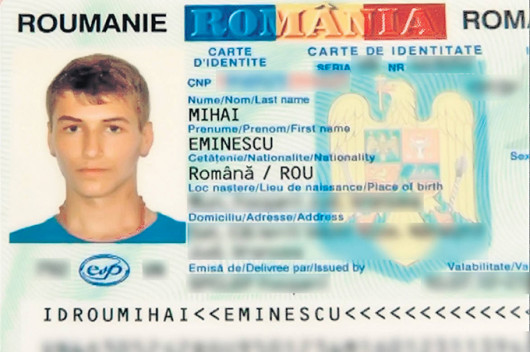 Tanarul trebuie sa isi arate de multe ori buletinul pentru ca lumea sa il creada ca il cheama Mihai Eminescu
