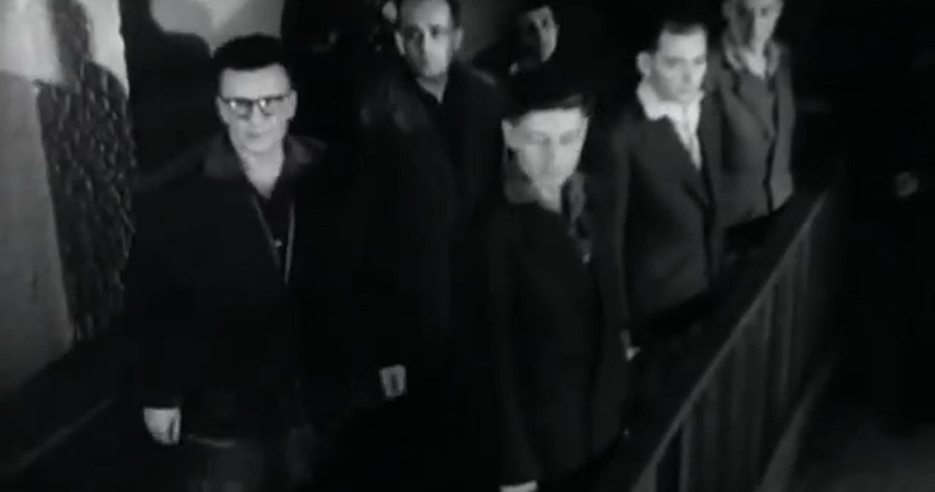 Cei sase hoti au fost prinsi imediat judecati, iar cinci dintre ei au fost condamnati la moarte