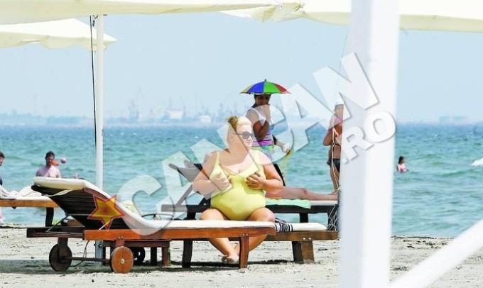 Anca Ivanescu a fost surprinsa si in urma cu doi ani pe o plaja din Navodari