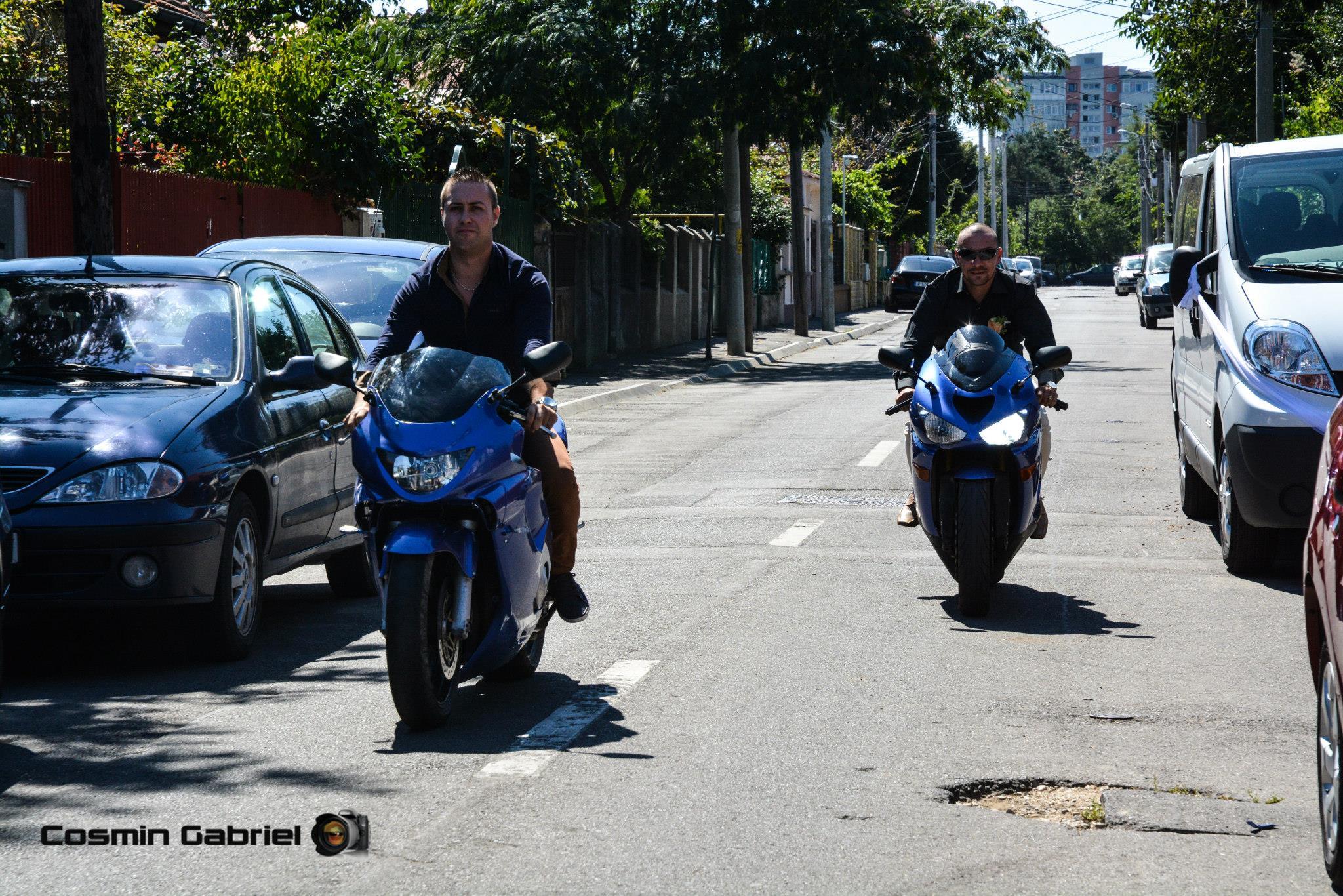 Ca o ironie a sortii, tanarul a sfarsit sub rotile unei motociclete