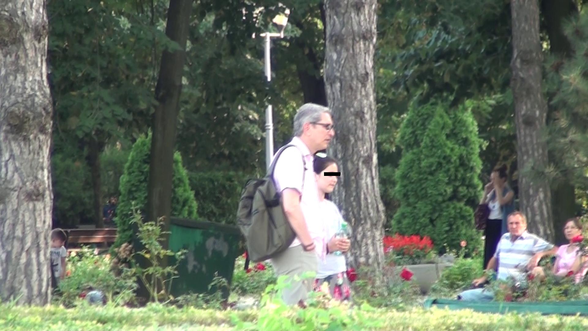 Consulul Romaniei in Africa de Sud cauta un loc linistit in parc