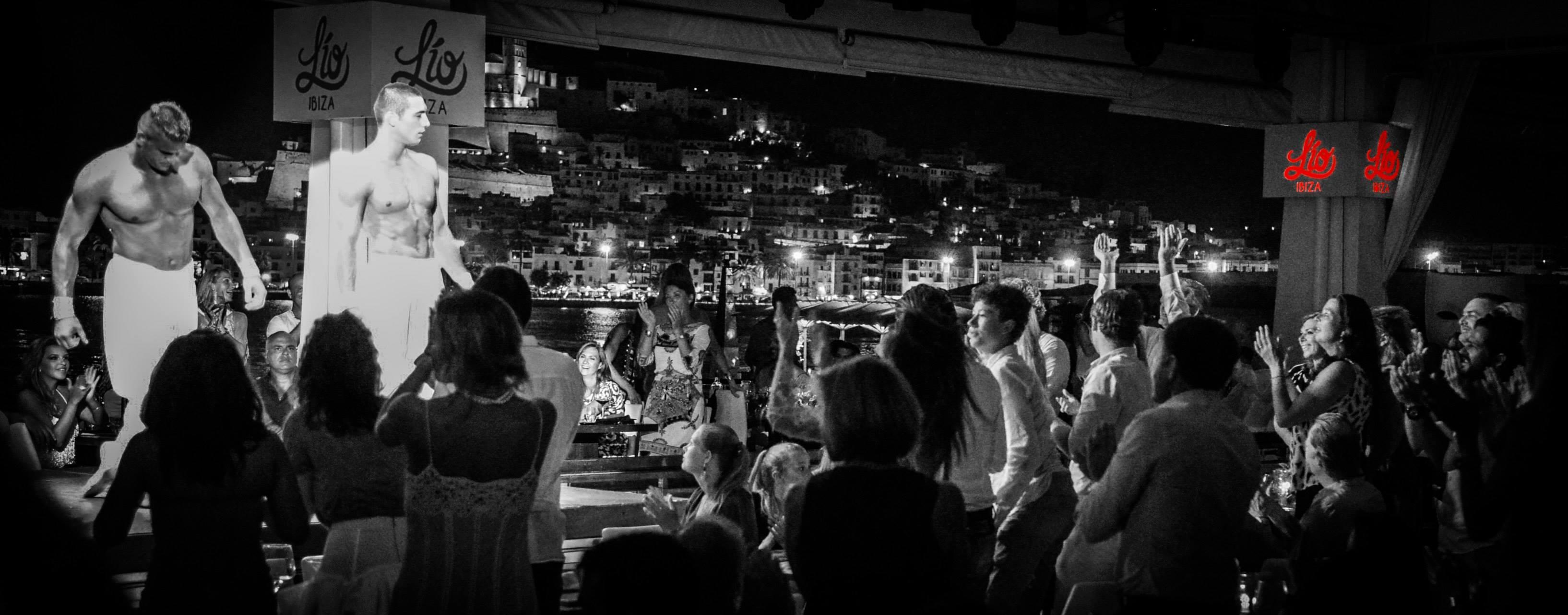 Ultimul spectacol a fost in Ibiza