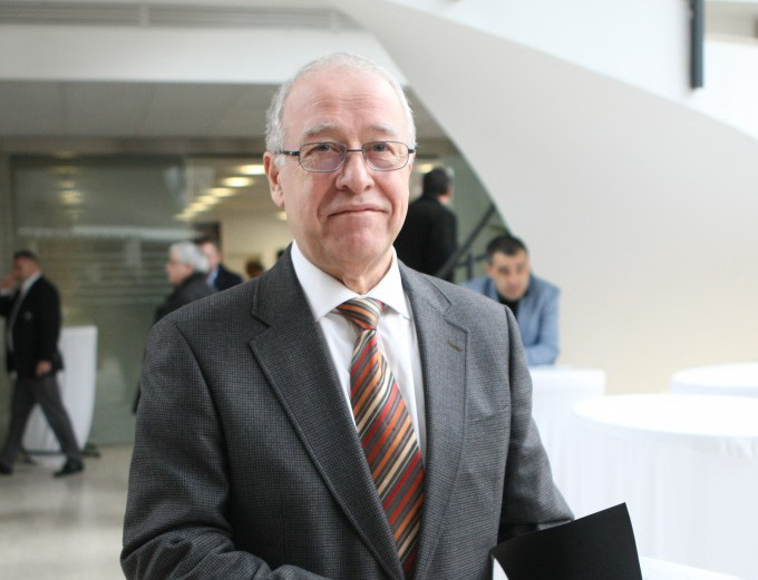 Constantin Anghelache este presedintele executiv de la Dinamo si mana dreapta a patronului Ionut Negoita