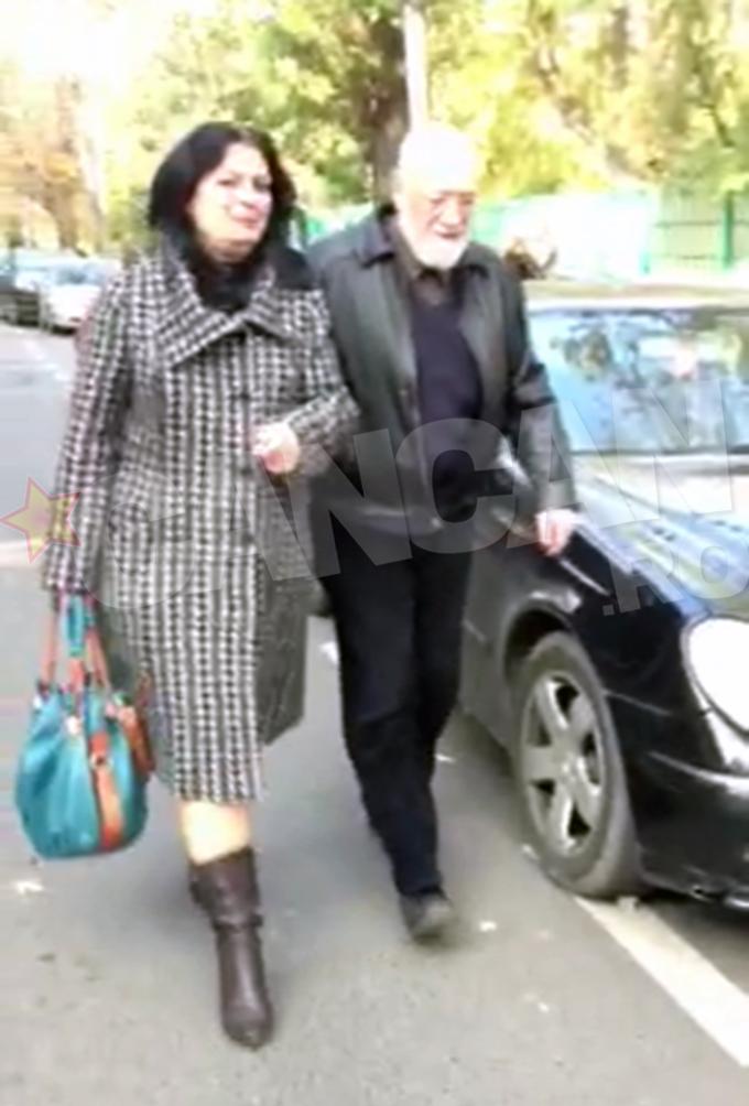 Gelu Voican Voiculescu a venit la vot alaturi de sotie