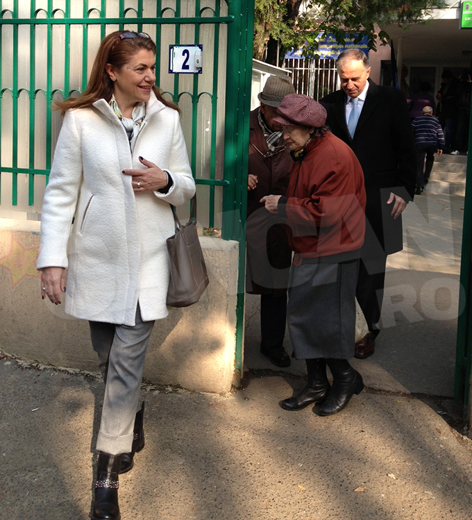 Mircea si Mihaela Geoana au venit impreuna la vot