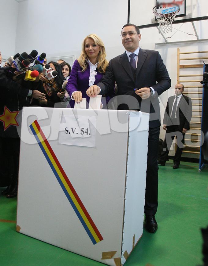 Victor Ponta si sotia lui au votat in jurul orei 10