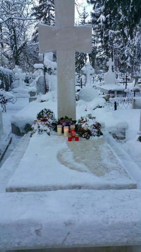 Mormantul marelui artist era plin de flori pe 3 ianuarie