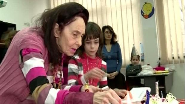 Adriana Iliescu incerca sa economiseasca banii pentru educatia Elizei