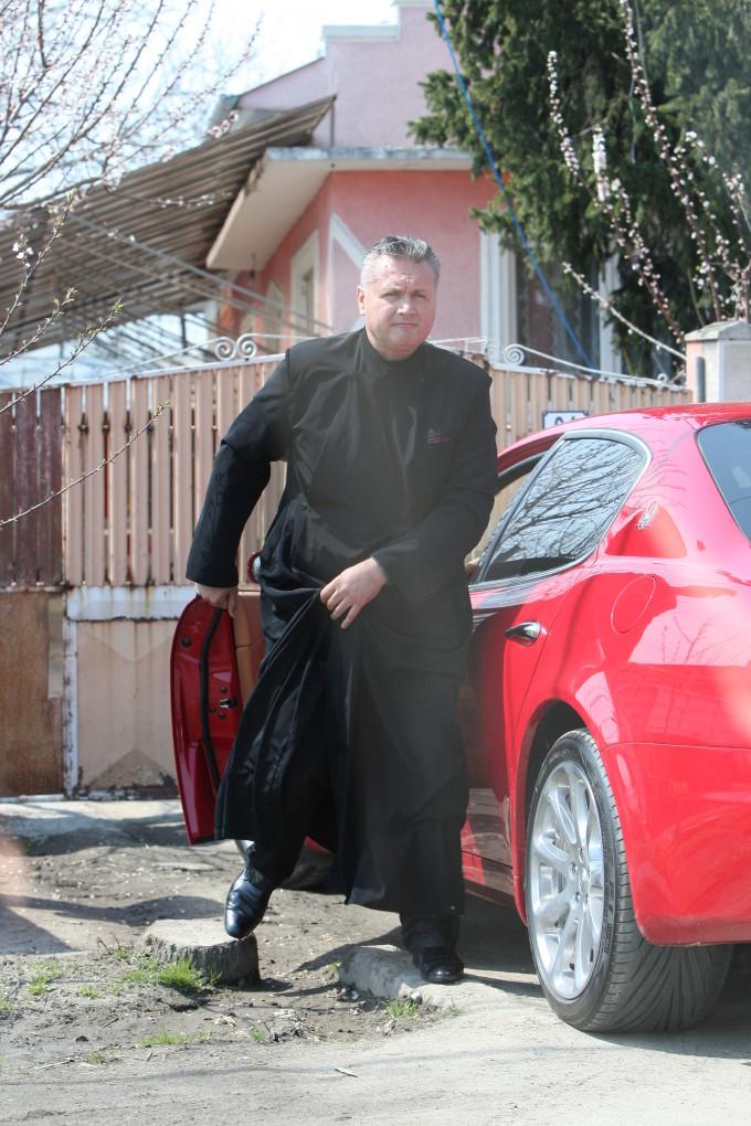 Preotul Robertino din Varasti