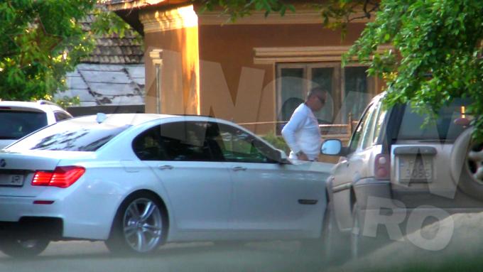 Duhovnicul din Varasti si-a luat si un BMW ultimul tip