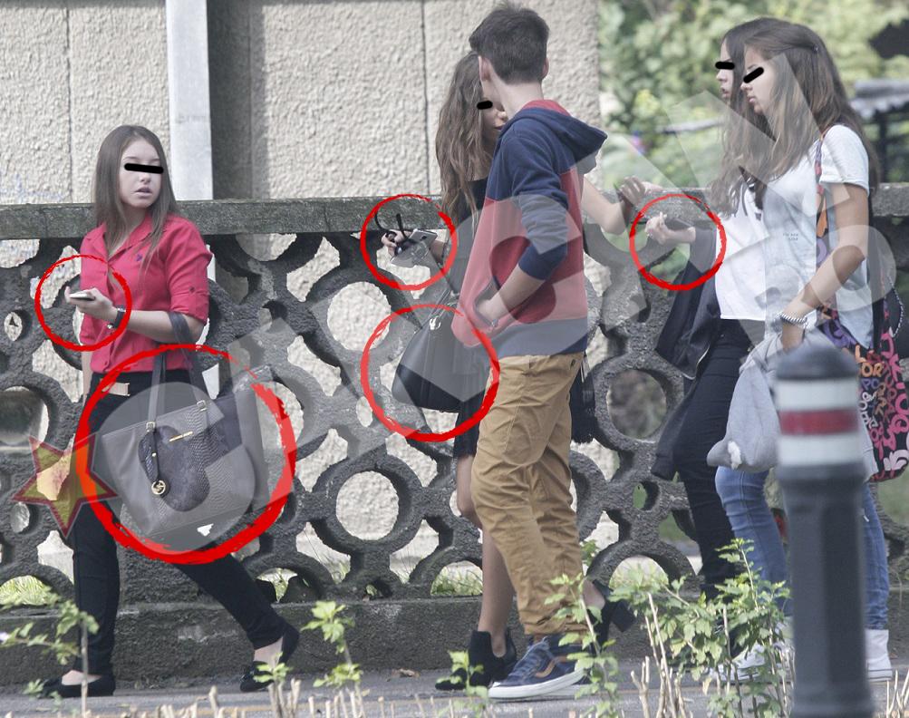 Fetele de bani gata au defilat cu genti de cel putin 1000 de euro pe mana