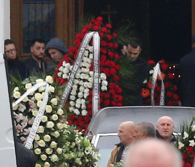 """Cristi Borcea a trimis la funeralii o coroană impresionantă cu mesajul """"Odihnă veşnică! Ne vei lipsi, Vasile!"""""""