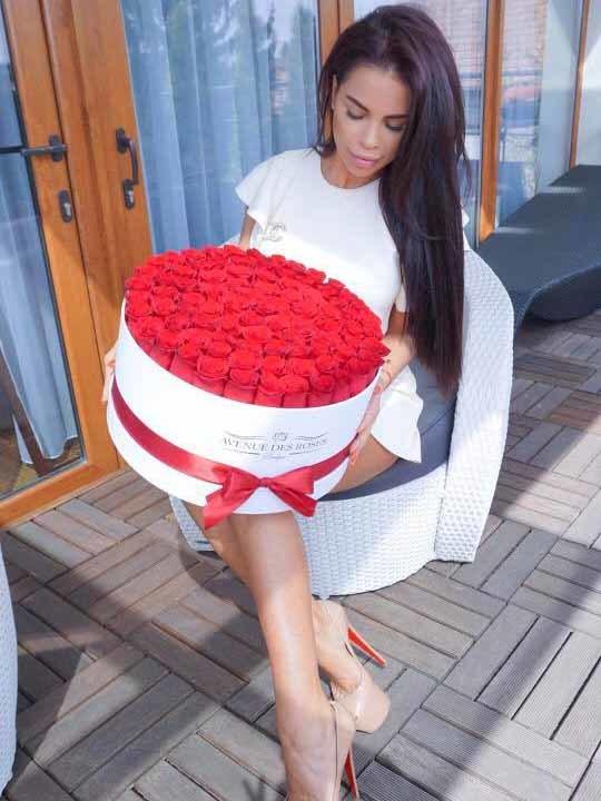 Denisa Pastor a primit un buchet de 101 trandafiri de ziua sa de naştere