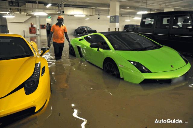 masini inundate