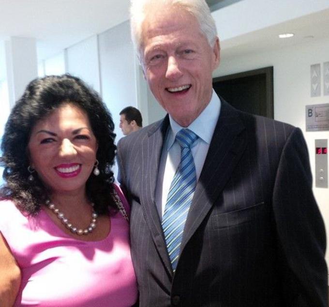 Carmen Harra, alaturi de cel de-al 42-lea presedinte al SUA, Bill Clinton