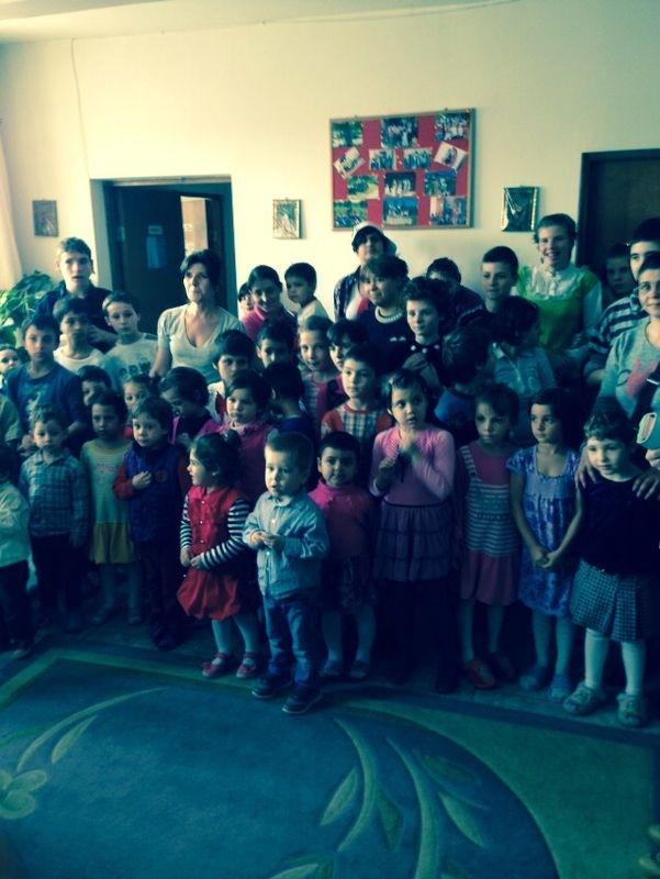 Micutii de la Centrul de Primire a Copilului in Regim de Urgenta Constanta i-au primit incantati pe sportivi