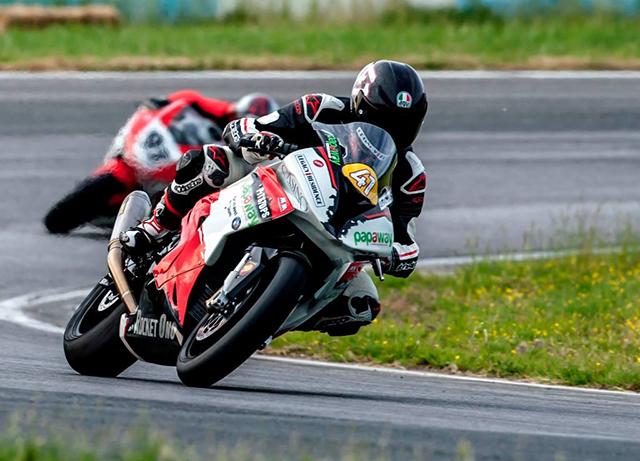Daniel Onoriu a început cu brio Campionatul Naţional de Motociclism Viteză.
