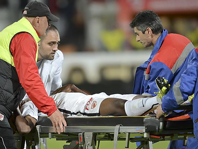 Patrick Ekeng s-a prăbuşit la pământ pe 6 mai, în timpul meciului Dinamo-Viitorul, şi a murit în scurt timp la spital