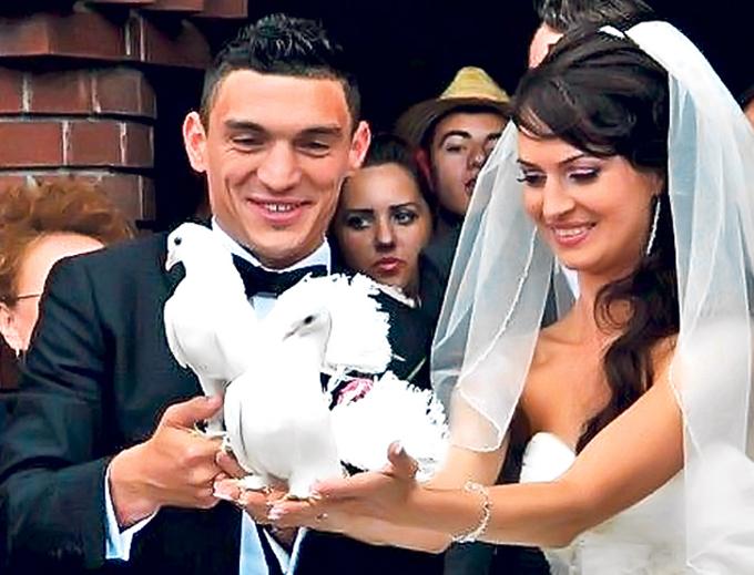 Claudiu si Laura s-au casatorit in urma cu doi ani