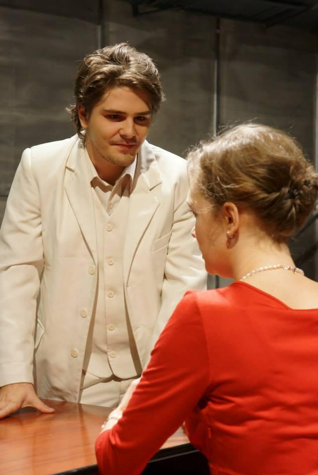 Dani este actor de meserie