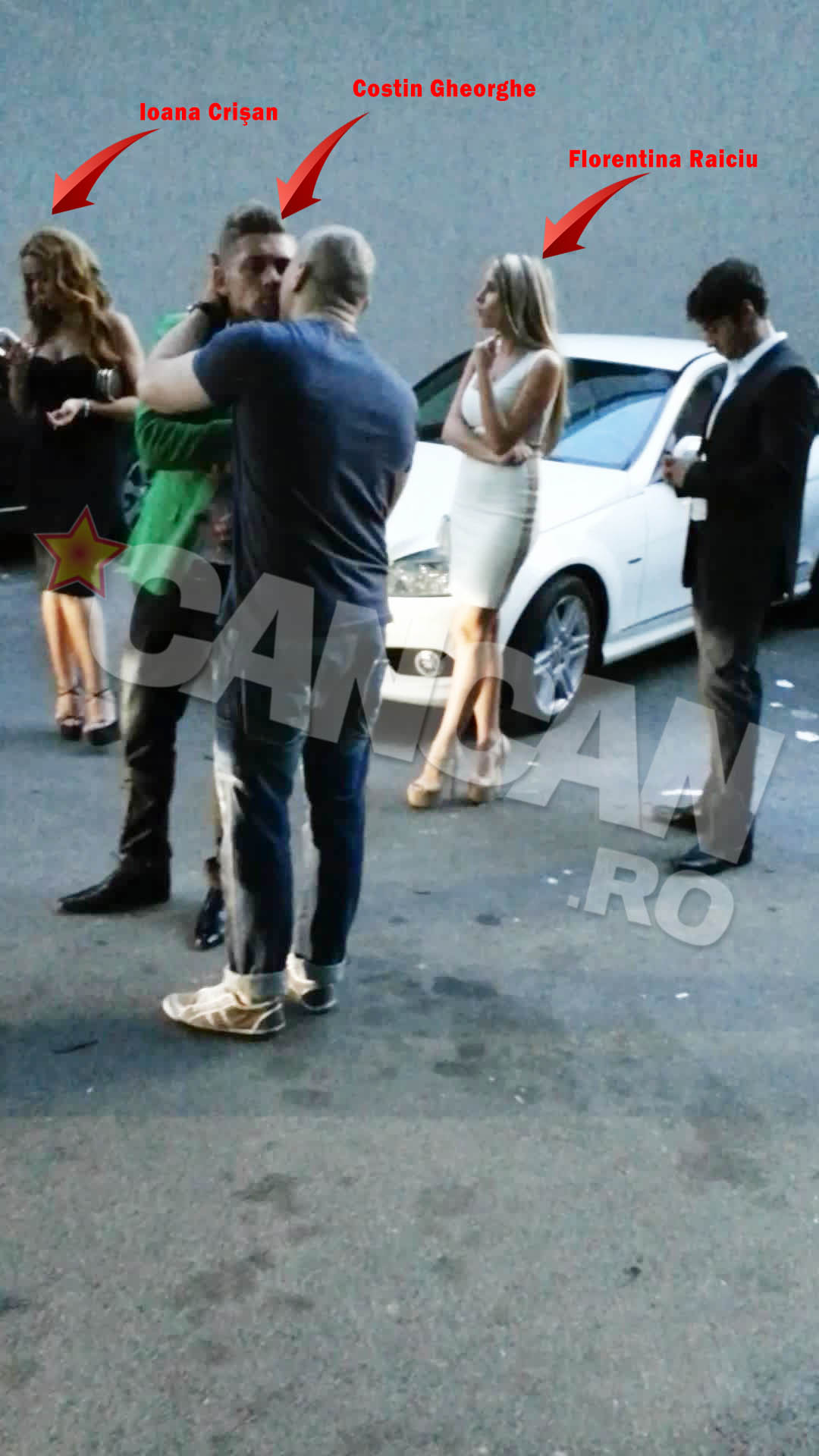 La plecare, Costin si-a luat la revedere de la Florentina, care a plecat singura, iar pe Ioana a pupat-o cast pe obraz si a lasat-o in taxi langa amicul sau.