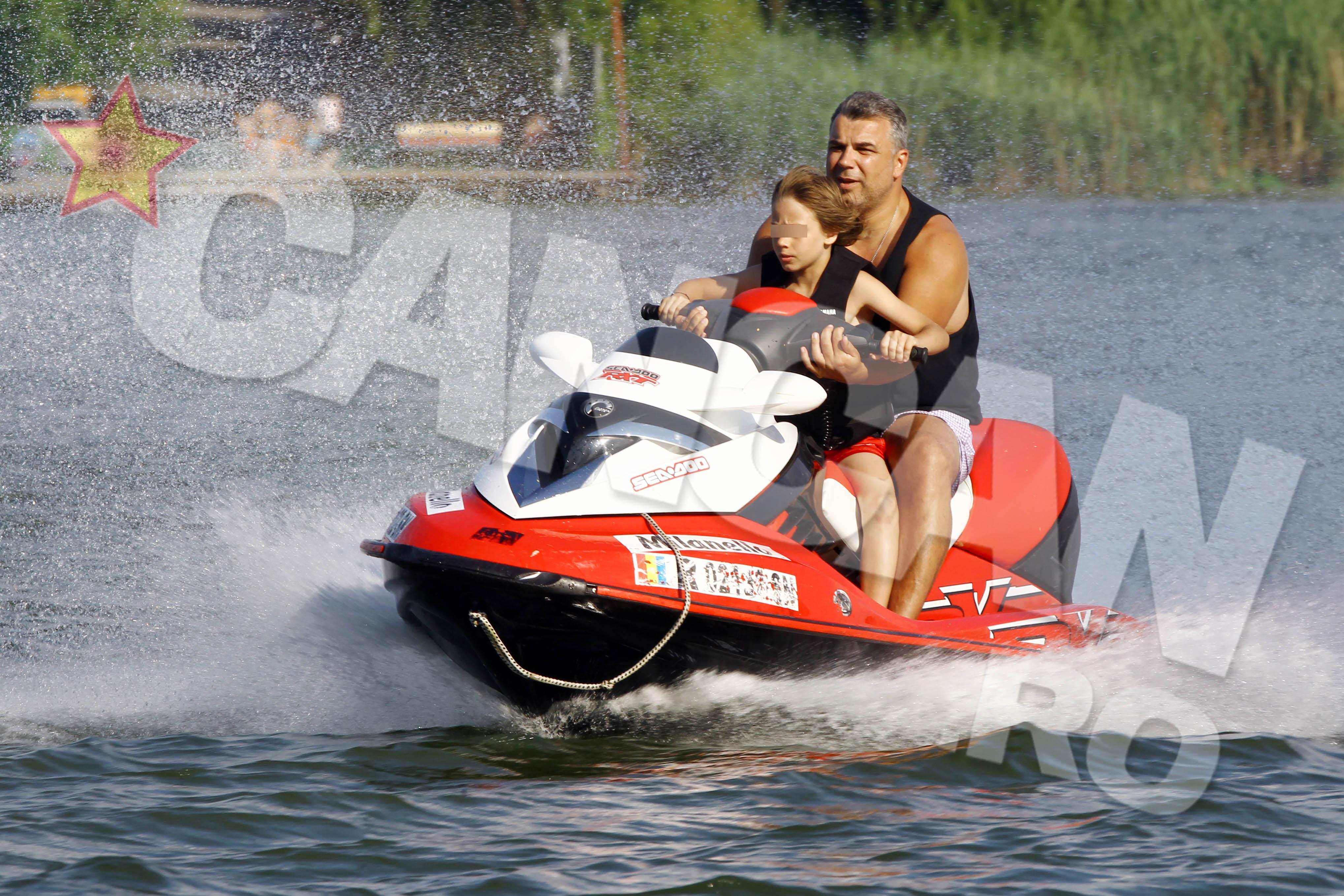 Olaroiu a luat pulsul apei pe un skijet de 13.000 de euro
