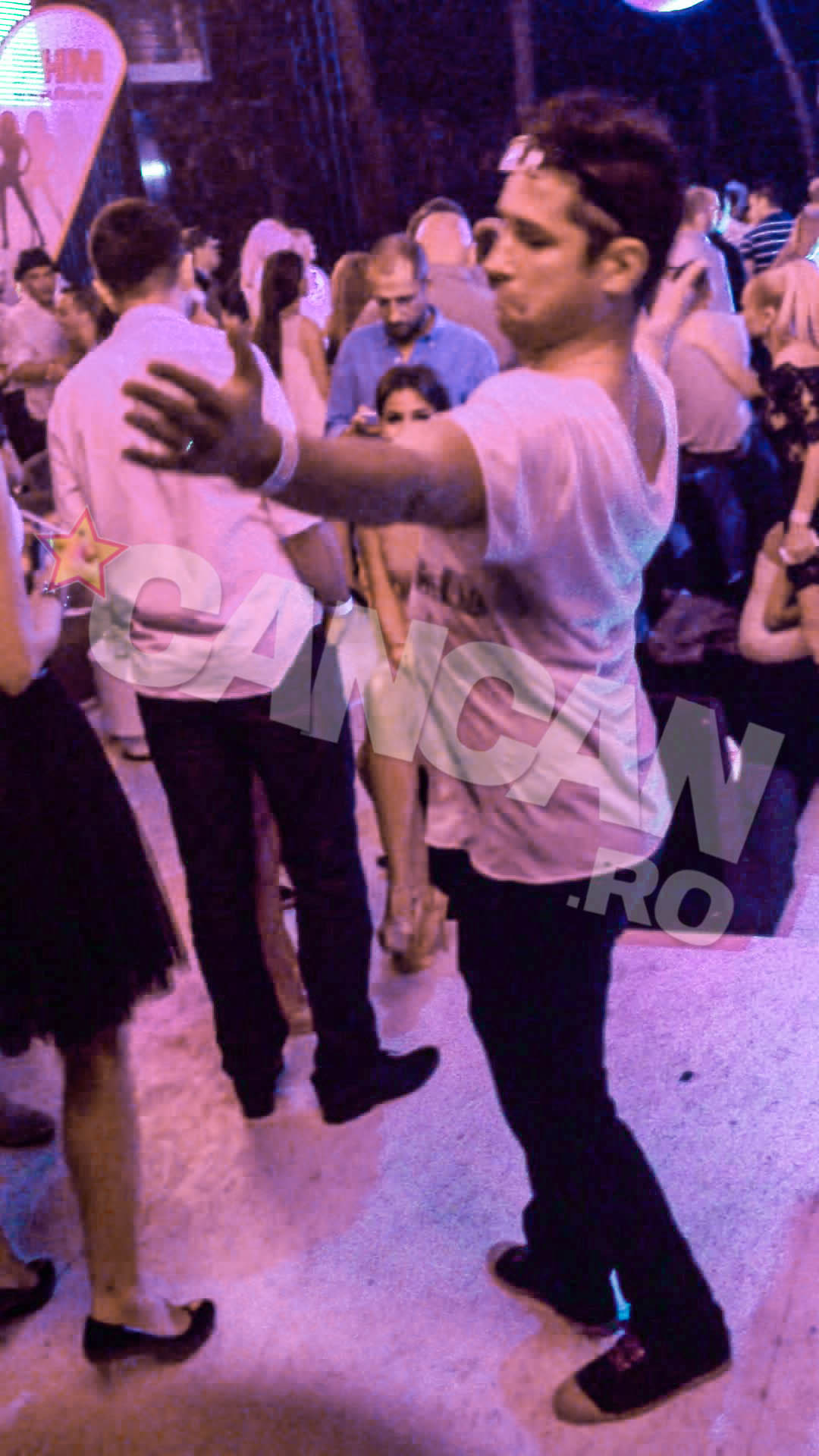 Ramas si el in Bucuresti, Doru a de la Deep Central a exagerat putin cu distractia si a dat-o-n dansuri... haotice