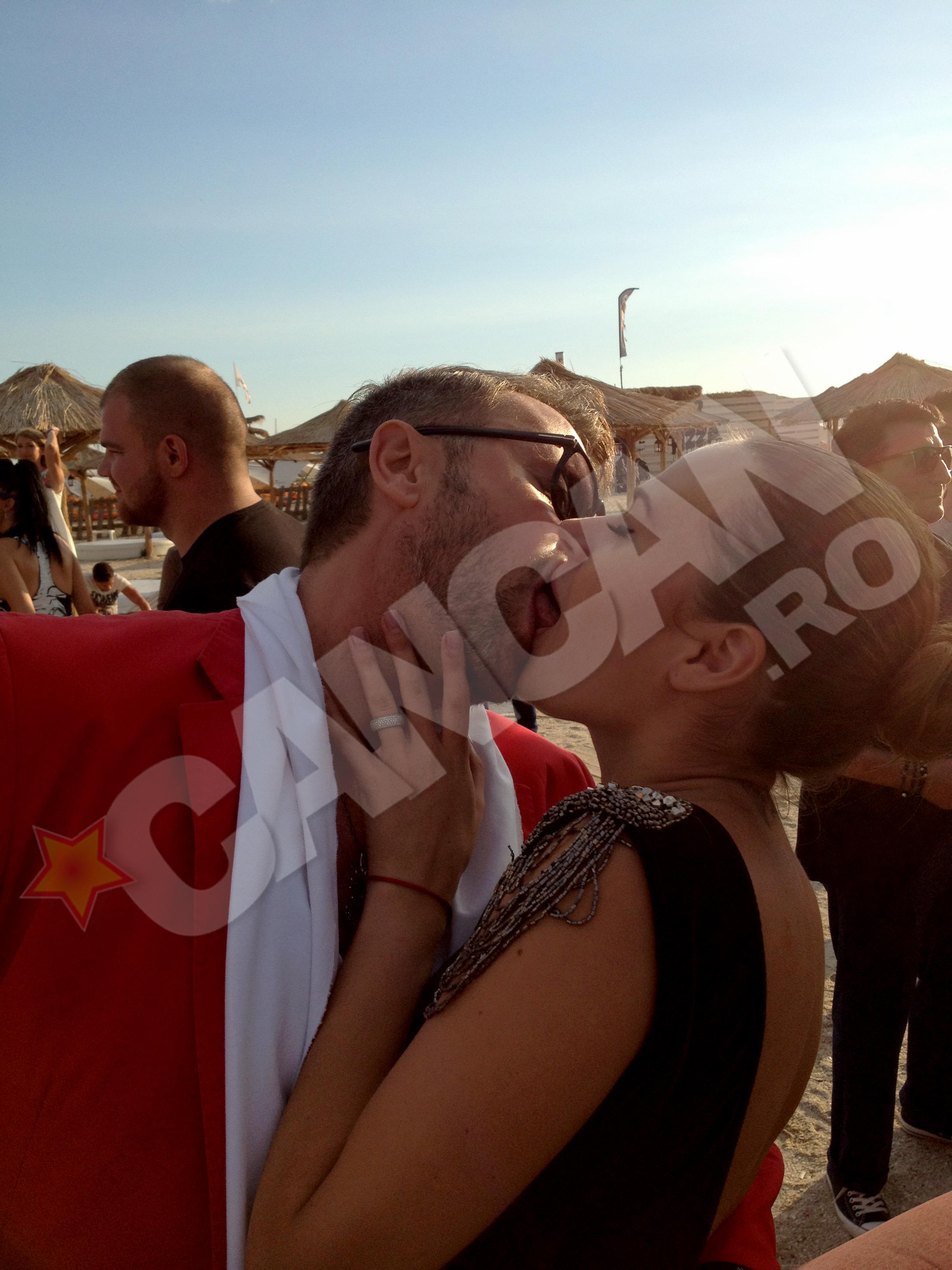 Rellys si Botezatu nu s-au oprit din sarutat trei ore
