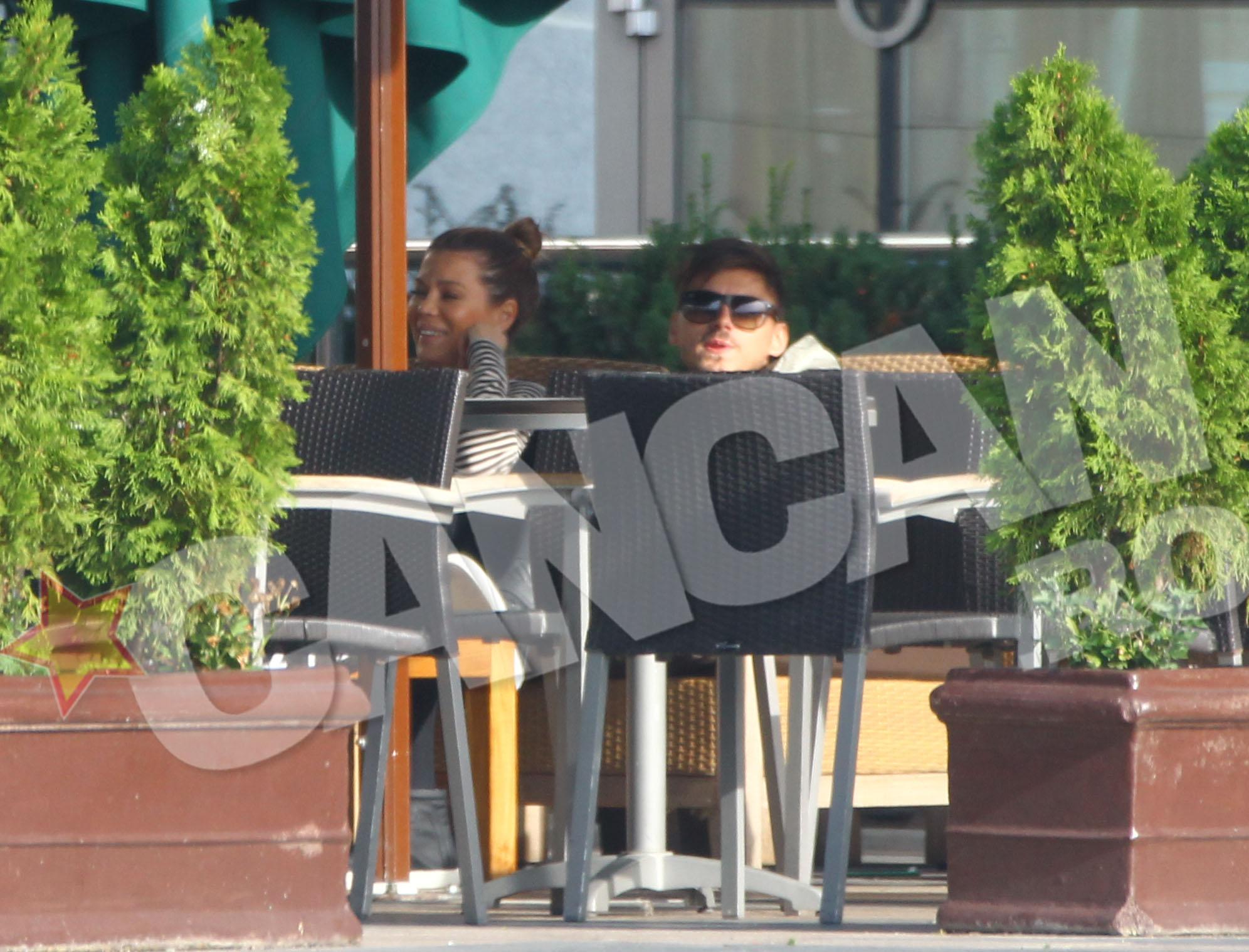 Gina si Turcu dau semne ca se simt foarte bine unul in compania celuilalt