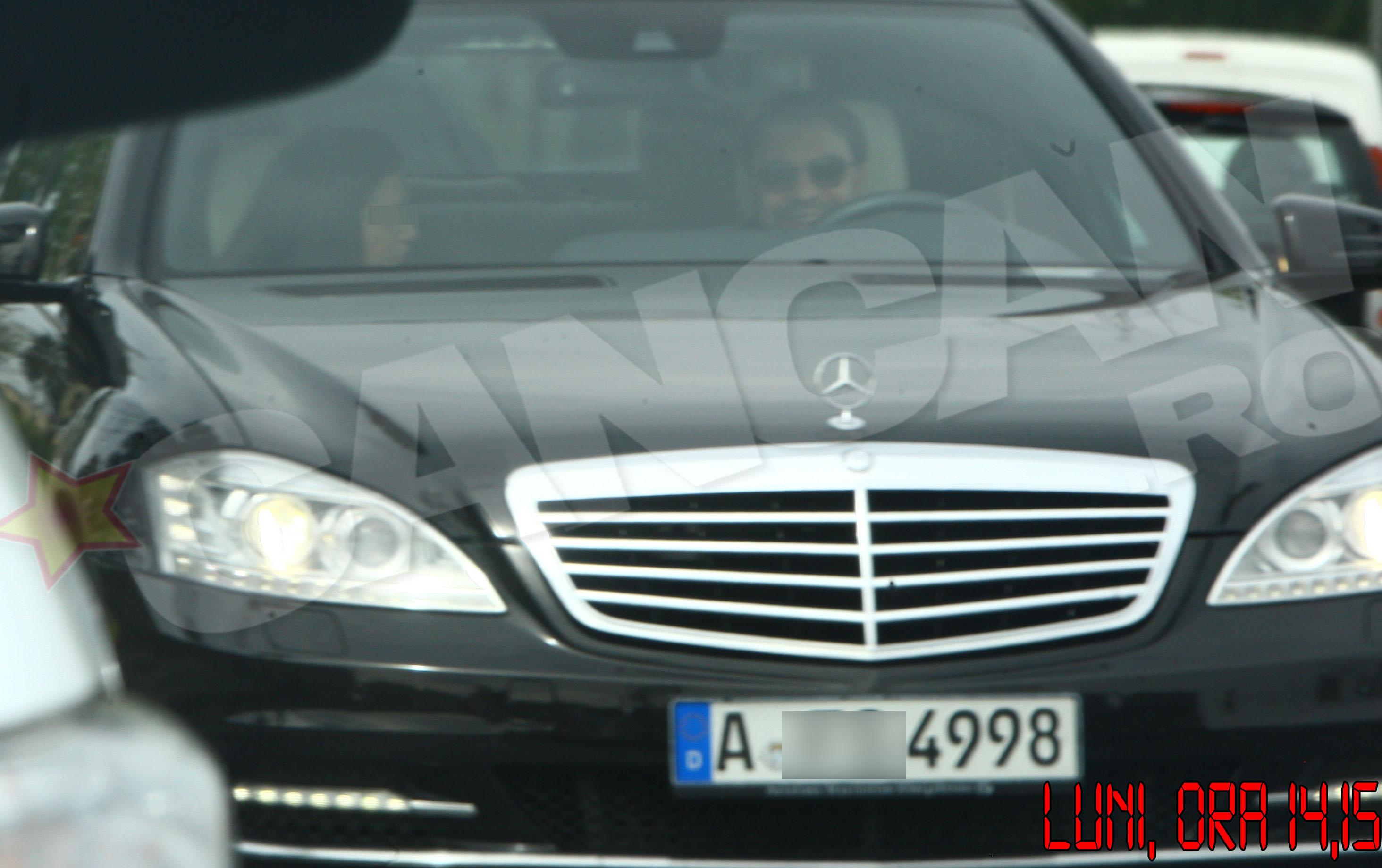 Florin nu s-a prezenta la scoala oricum, ci la volanul limuzilei lui de 100.000 de euro