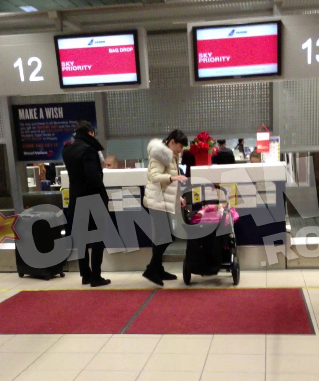 Elena Basescu si familia ei au ajuns la aeroport doar cu jumatate de ora inainte de decolare