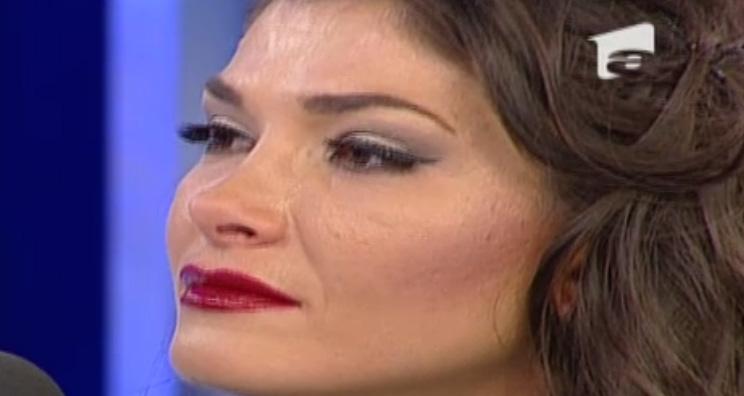 Alina a facut anuntul divortului cu ochii plini de lacrimi