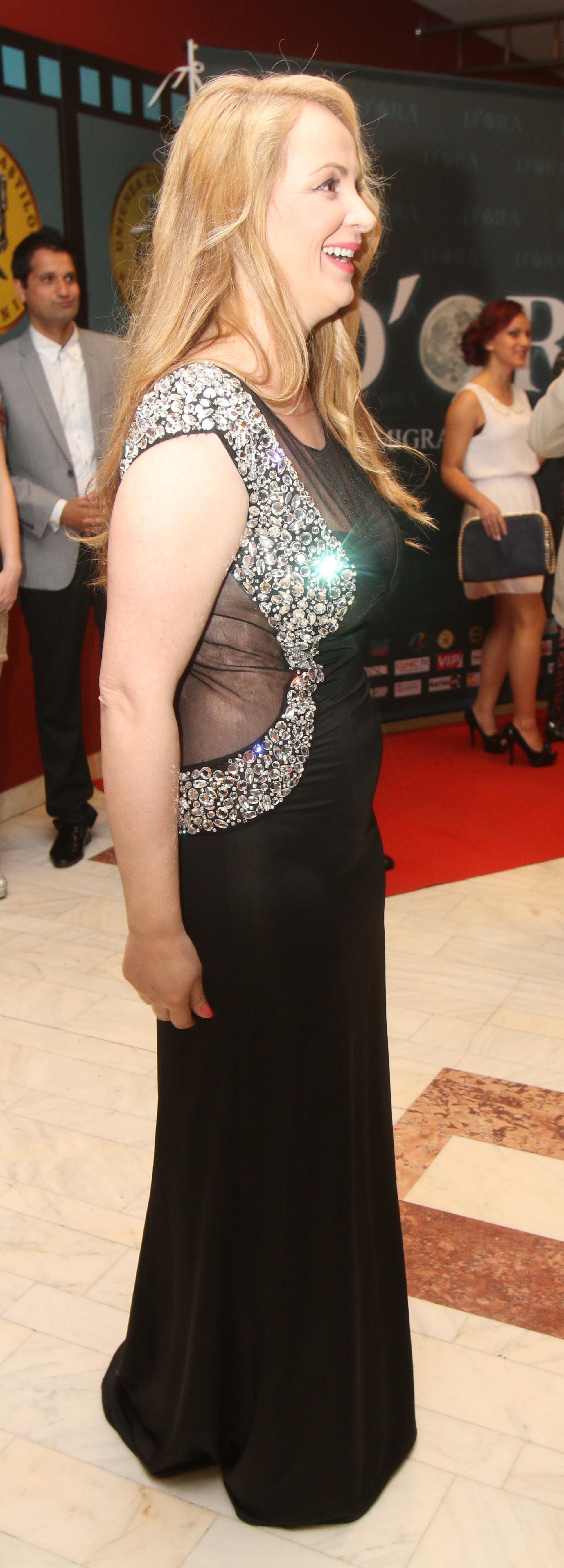 Delia Antal a imbracat o rochie transparenta la lansarea filmului ei