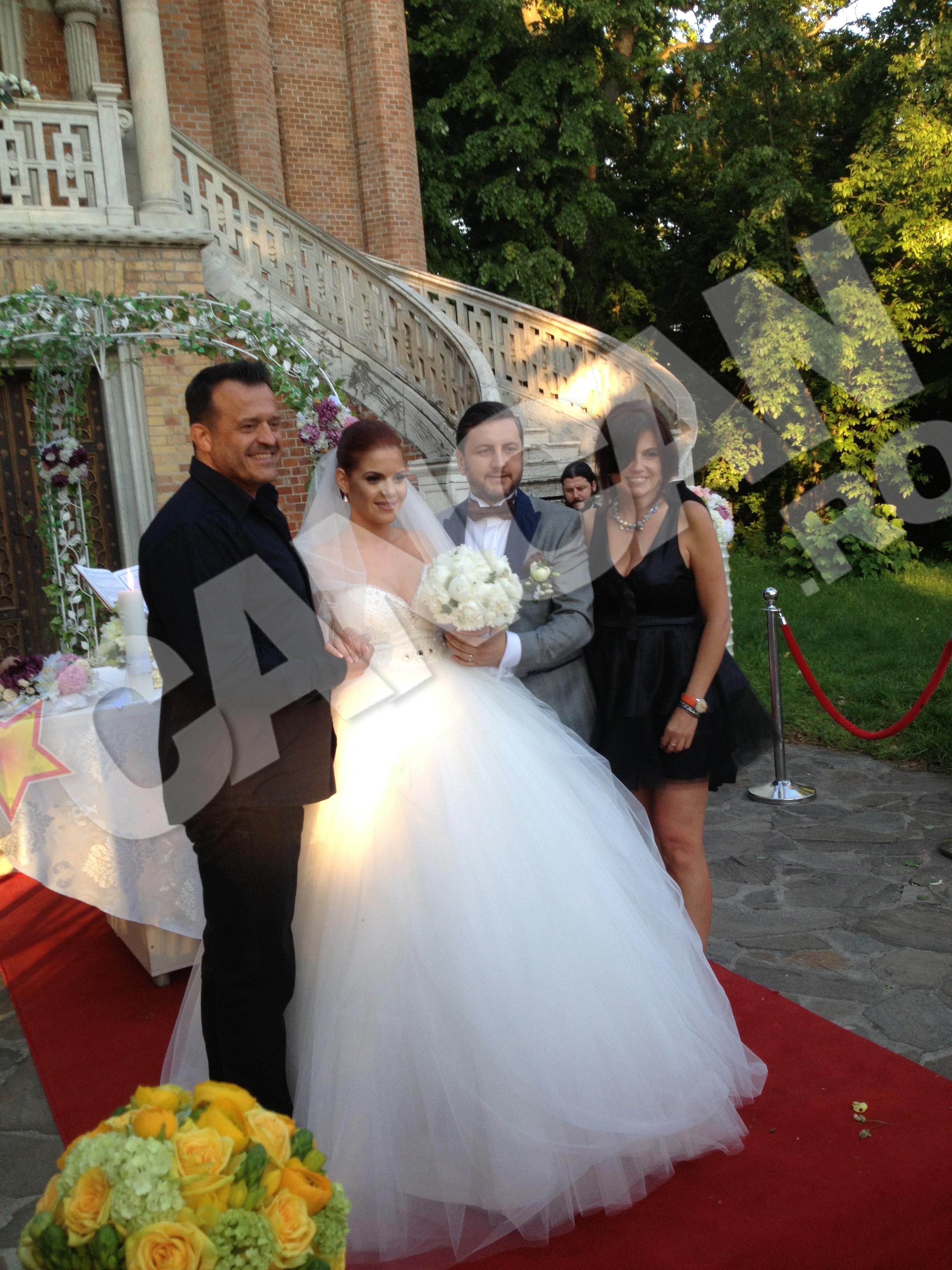 Constantin Iosef si Iubita sa s-au fotografiat cu cei doi miri