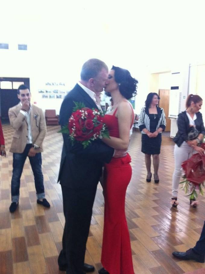 Tolea s-a casatorit civil in urma cu o saptamana