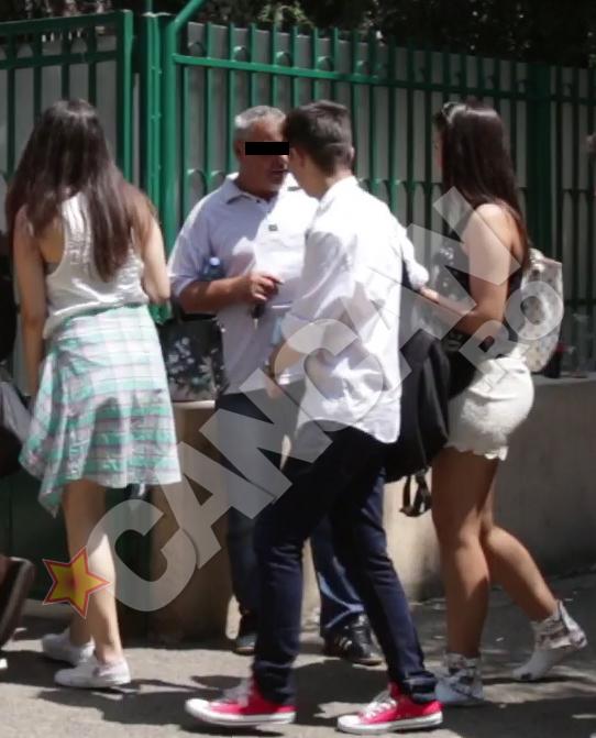 Chiar daca azi au stat in fata examinatorilor, unora dintre eleve nici nu le-a trecut prin cap sa se imbrace mai sobru