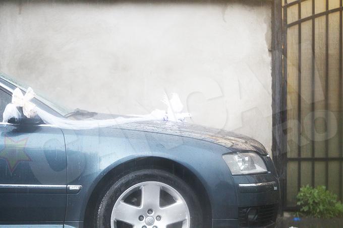 Un element foarte interesant a constat in decoratiile de pe una din masinile din alai