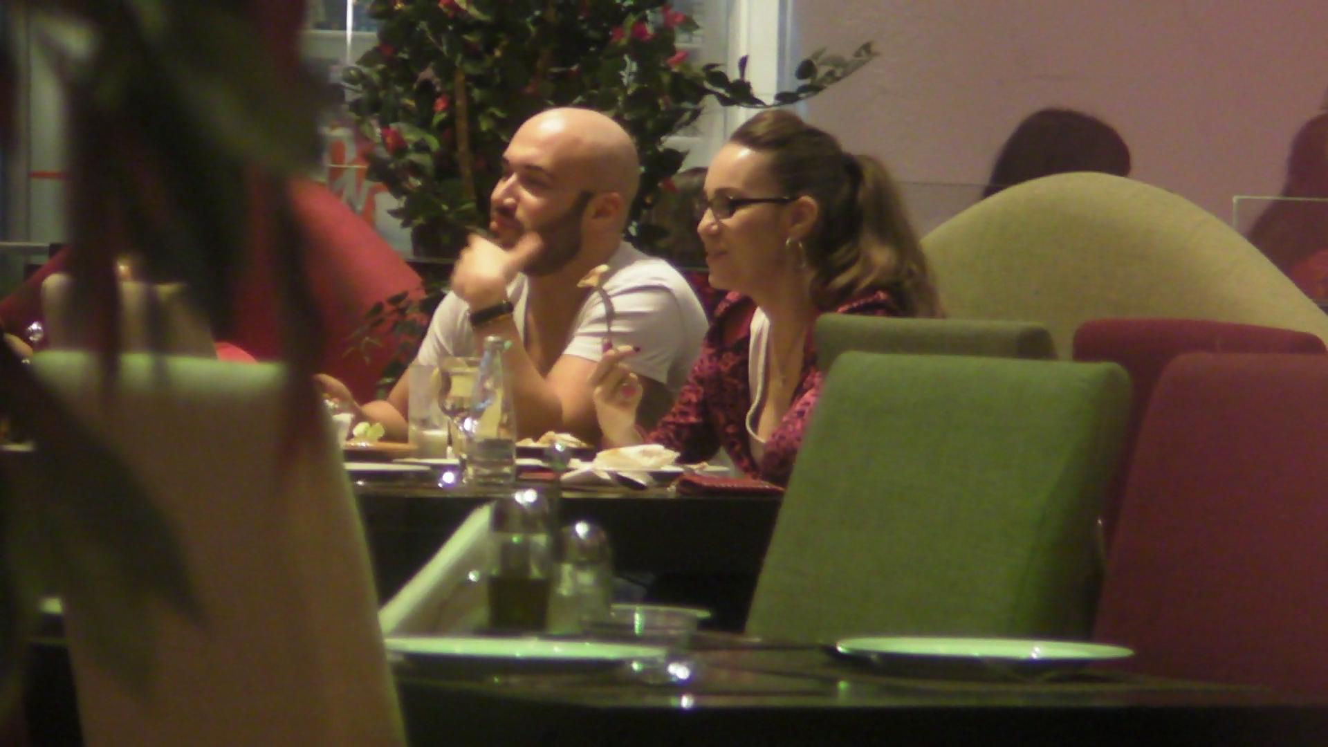 Mihai Bendac si-a scos noua cucerire la un restaurant libanez
