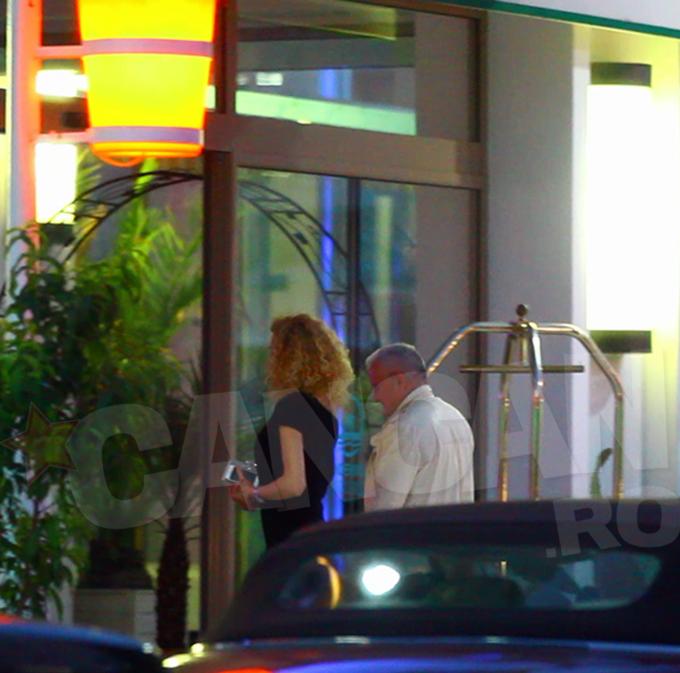 Cei doi au intrat impreuna in hotel