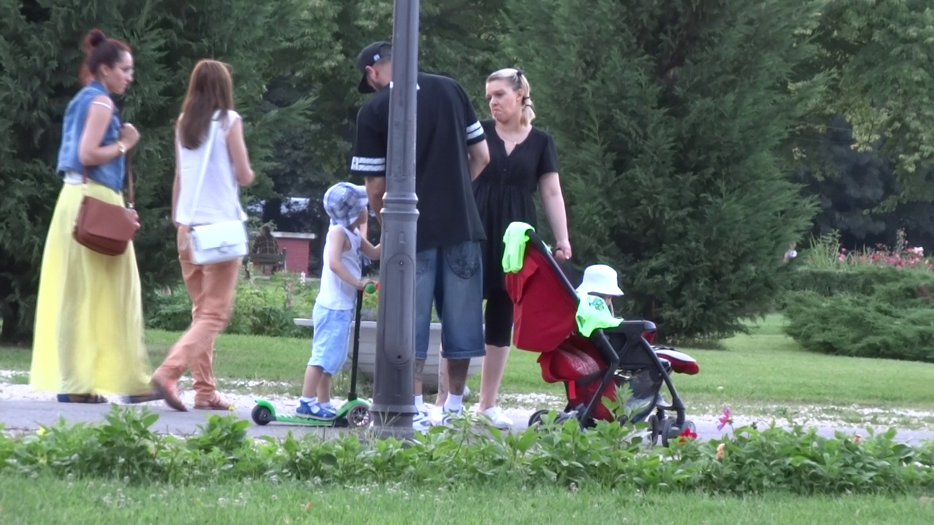 Caddy a petrecut o dupa-amiaza intreaga in parc cu familia