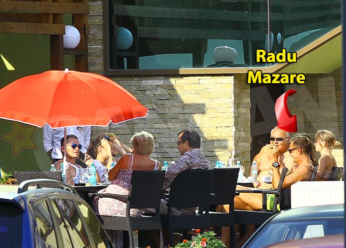 Dupa ce domnisoara blonda s-a facut nevazuta, Radu Mazare s-a dancit la loc in gandurile lui