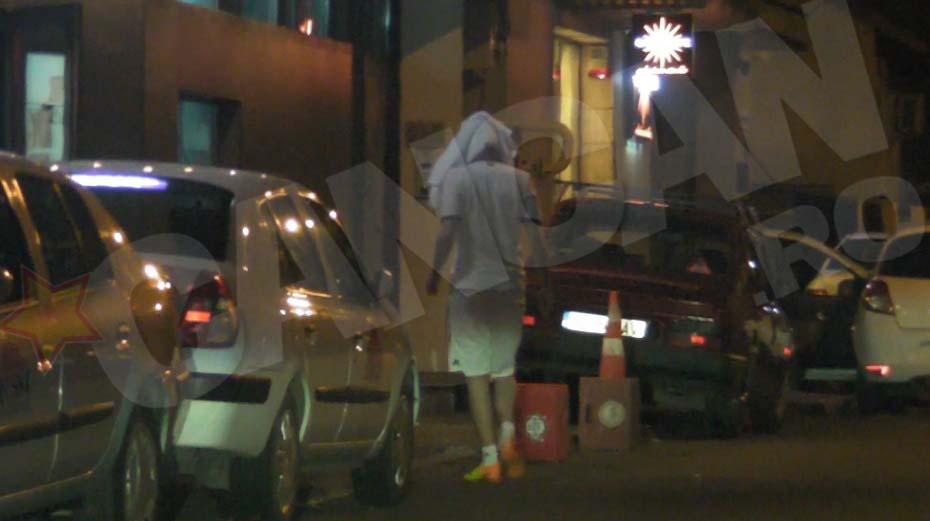 Marius Turcu si-a pus bluza in cap si a facut ture intre masina si clinica