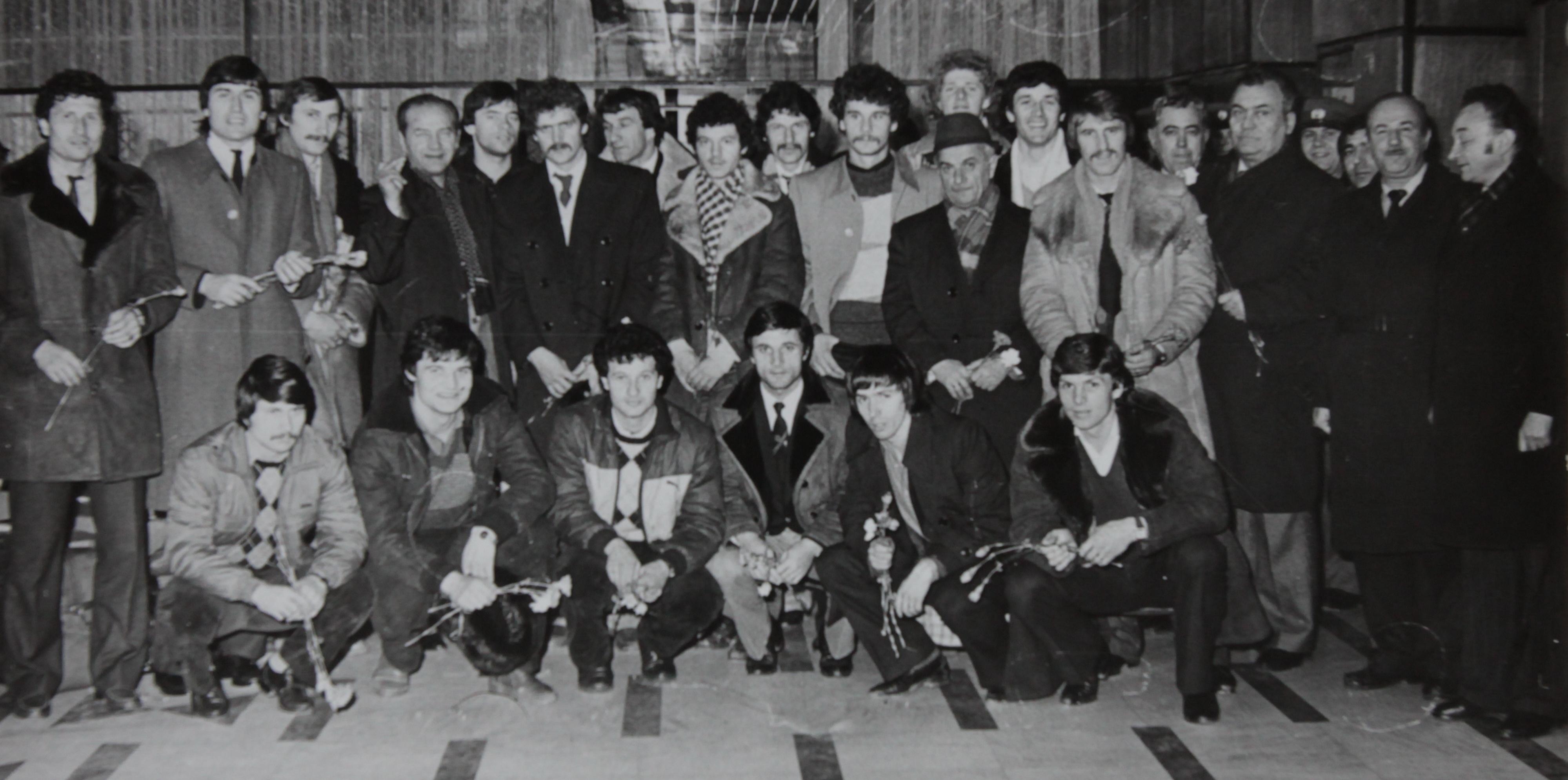 Dinamovistii s-au intors de la Hamburg, dupa calificarea in fata campioanei Europei din 1983