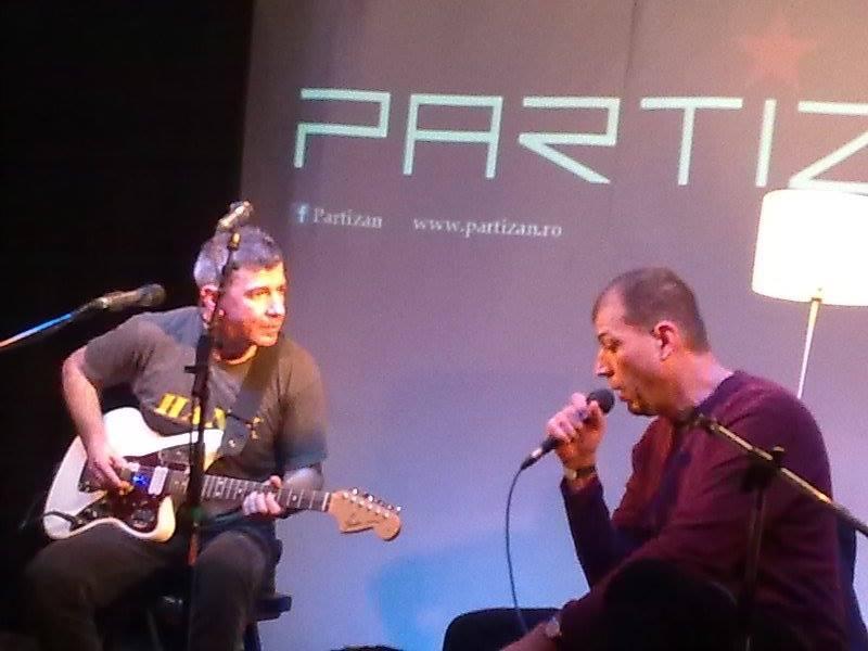 Partizan la o emisiune la postul de radio Guerrilla