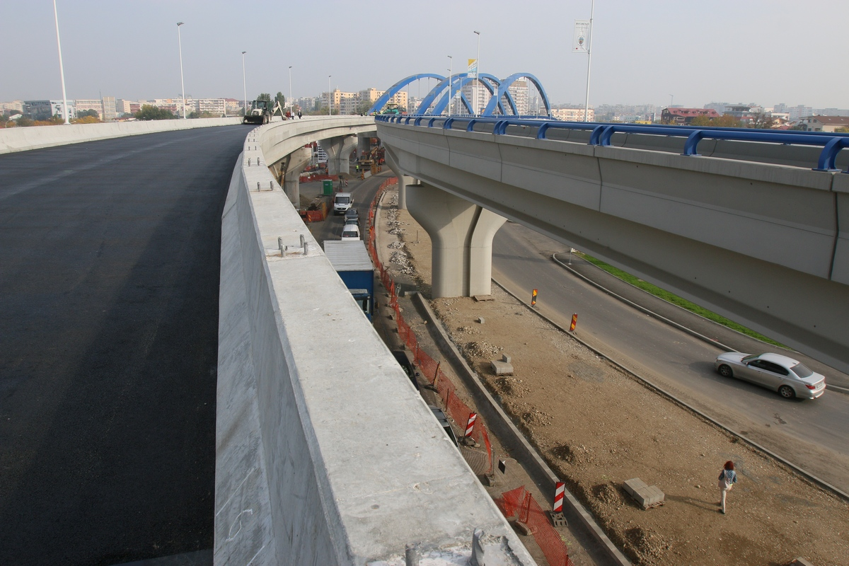 Al doilea pod al pasujului va fi gata in maximum o luna si jumatate