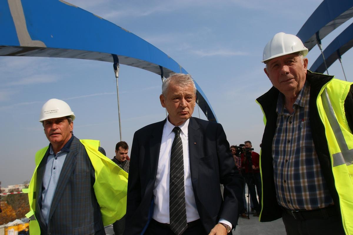 Primarul general Sorin Oprescu este multumit de cum s-au miscat constructorii