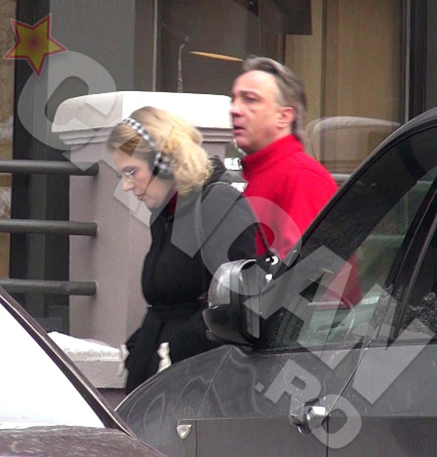 Raluca Moianu si sotul ei se comporta distant unul cu celalalt, in public