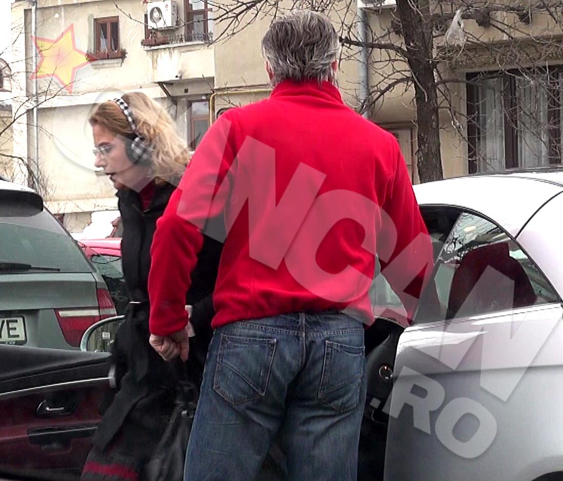 Raluca Moianu aproape ca nici nu se uita la sotul ei