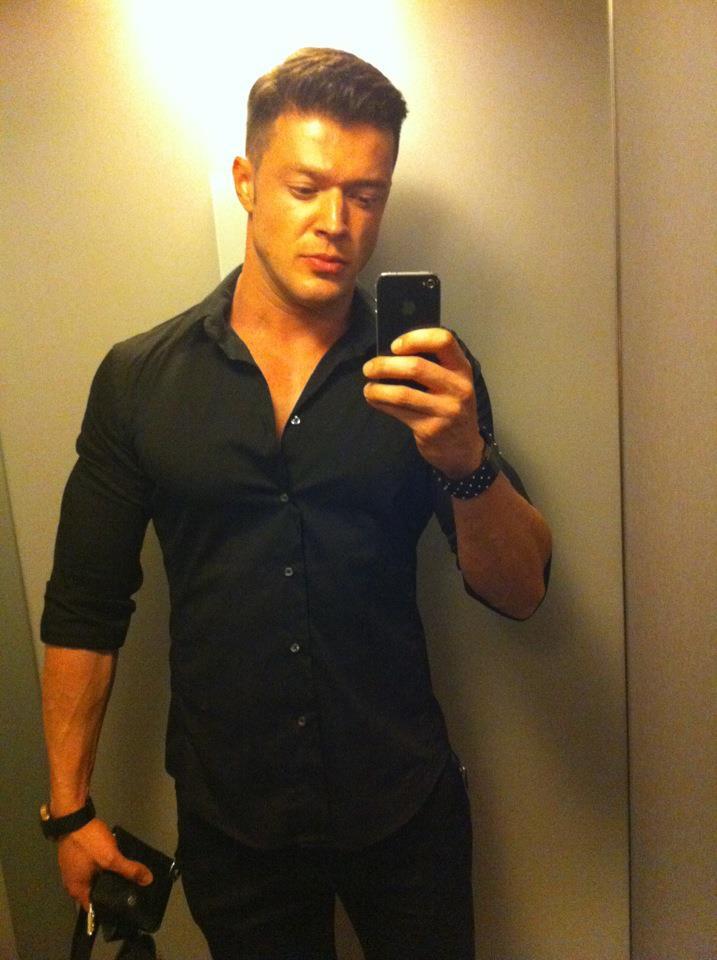 Victor Slav a preluat mania selfie-urilor de la Bianca